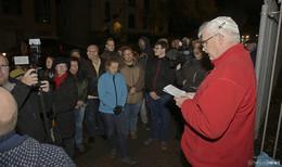Teilnehmer der Mahnwache für Opfer von Halle (Saale) bekunden Solidarität