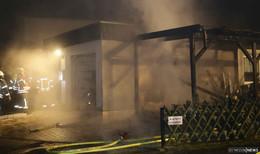 Feuer an Carport im Stadtteil Johannesberg - keine Verletzten
