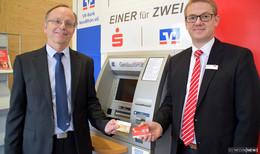 Einer für Zwei: Gemeinsamer Geldautomat von Sparkasse und VR-Bank