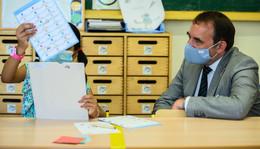 Präsenzpflicht in Grundschule ausgesetzt - ab Klasse sieben Distanzunterricht