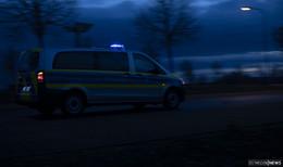 Ausgeraubt und geschlagen: drei Männer überfallen 19-Jährigen