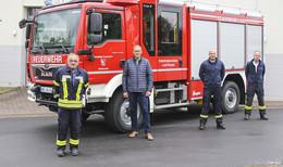 Feuerwehr nimmt neues Löschengruppenfahrzeug in Empfang