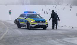 Heute Feiertag in Bayern: Polizei verstärkt Präsenz in den Wintergebieten