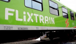 Notbremsung kann Kollision nicht verhindern: Zug kollidiert mit entlaufener Kuh