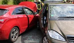 Sechs Verletzte: Autos krachen zwischen Hutzdorf und Queck ineinander