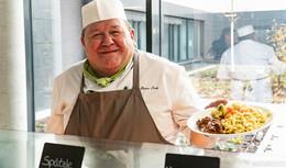Küchenchef Karl-Heinz Frey glücklich: Das ist mein Baby - Bistro 52 eröffnet