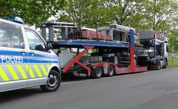 Polizei zieht auffälligen Autotransporter aus dem Verkehr