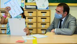 Kritik der Opposition: Kultusminister Lorz gegen Wechselunterricht an Schulen