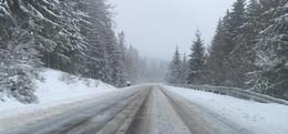 Weiße Pracht nervt so manchen Autofahrer- Viele Straßen in Osthessen dicht