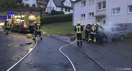 Brand im Motorraum eines Pkw - keine Verletzten