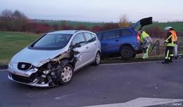 Unfall auf der L 3139 bei Haimbach: Auto streift Lastwagen - Zwei Verletzte