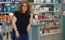 Neue Hausherrin: Apothekerin Birte Behle kauft Felsen-Apotheke