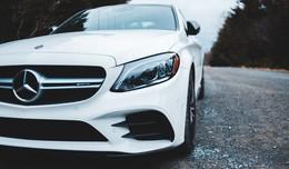 Mit geklautem Mercedes auf Poserfahrt durch die Innenstadt