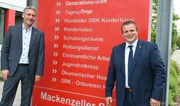 Arbeitsgespräch: Benjamin Tschesnok und DRK-Kreisgeschäftsführer Stefan Bott