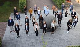 Landrat Bernd Woide begrüßt 21 Studierende bei der Kreisverwaltung