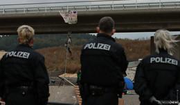 A49-Gegner besetzen Baustelle an der Autobahn - Polizei zieht Fazit