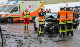 Schwerer Verkehrsunfall zwischen Dipperz und Friesenhausen
