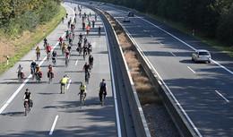 Gerichtsentscheid: Fahrrad-Demonstration am Sonntag nun doch über die A7