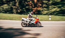 Motorradkontrollen: ein Fahrer flüchtet - positiver Drogentest