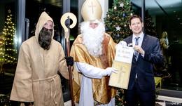 Der Nikolaus ist zu Gast im Esperanto Fulda - für den guten Zweck