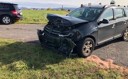 85-jähriger Fahrer missachtet Vorfahrt: Unfall mit drei Verletzten bei Büchenberg