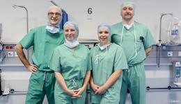 Kleiner Schnitt, große Wirkung: Franzosen lernen am Herz-Jesu-Krankenhaus