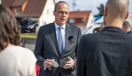 Innenminister Peter Beuth: Möchten Fluthelfern in besonderer Form danken