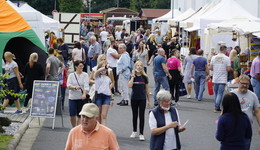Über 80 Aussteller beim Rotpunkt-Sommermarkt - Bilderserie
