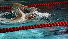 Bouffier macht Vereinsschwimmern Hoffnung
