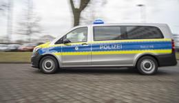 Kollision zwischen Pkw und Leichtkraftrad: 16-Jährige leicht verletzt