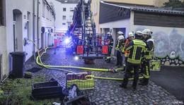 Feuer in der Schlachthausgasse - erneuter Löscheinsatz - drei Personen in Zelle