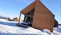 Die ersten zwei Häuser sind fertig: Feriendorf auf der Wasserkuppe eröffnet