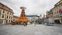 Neu am Weihnachtsmarkt: Rodelspaß am Buttermarkt mit Ständen