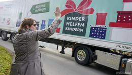 173.161 Weihnachtspäckchen gehen auf Reisen - Botschaft der Nächstenliebe
