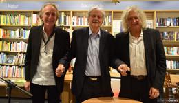 Bestseller-Autor Paul Maar als Leser im  Schiefen Märchen-Trio