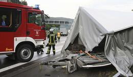 Unfall auf der A 7 mit zwei Transportern am Klebaer Berg
