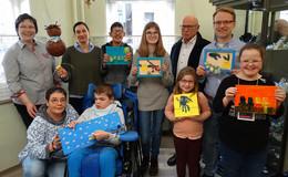 Für Ostern gewappnet: Schüler fertigen künstlerische Arbeiten zum Verkauf an