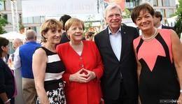 Hessenfest mit Kanzlerin - MP Bouffier würdigt erschossenen RP Lübcke