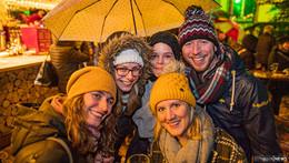 Ein proppevoller Weihnachtsmarkt: Große Bilderserie von Martin Engel