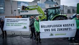 Nach Treffen im Kanzleramt: Billigfleisch ist wieder in aller Munde