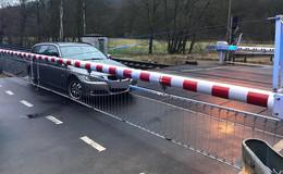 Plötzlich war die Schranke unten - Auto sorgt für Zwischenfall im Bahnverkehr
