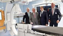 Klinikum Fulda feiert die Eröffnung des INO-Zentrums mit MP Volker Bouffier