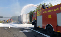 Brennender Sattelzug-Auflieger auf der A66 in Höhe der AS Schlüchtern Nord