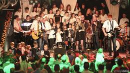Eine einmalig schöne Atmosphäre: 650 singen bei Kreuz meets Kreuzkirche