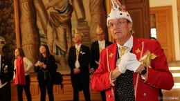 Sternenprinz Harald LXXIX. von Fulda führt FKG-Freunde durchs Stadtschloss