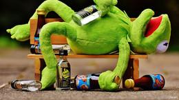 Fahrer trinkt Kräuterlikör in Ruhe leer - mit 2,52 Promille am Steuer