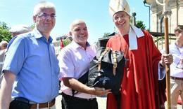 Bischof Dr. Michael Gerber, das Pilgern und der Fuldaer Rucksack