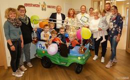 Rhönnet übergibt Krippen-Kinderwagen an Kita Sternschnuppe Eichenzell