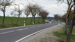 Ortsbild von Kirchhasel aufgewertet: Fahrbahn der Kreisstraße 135 erneuert