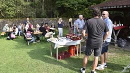 Sommerfest bei strahlendem Sonnenschein in Gemeinschaftsunterkunft